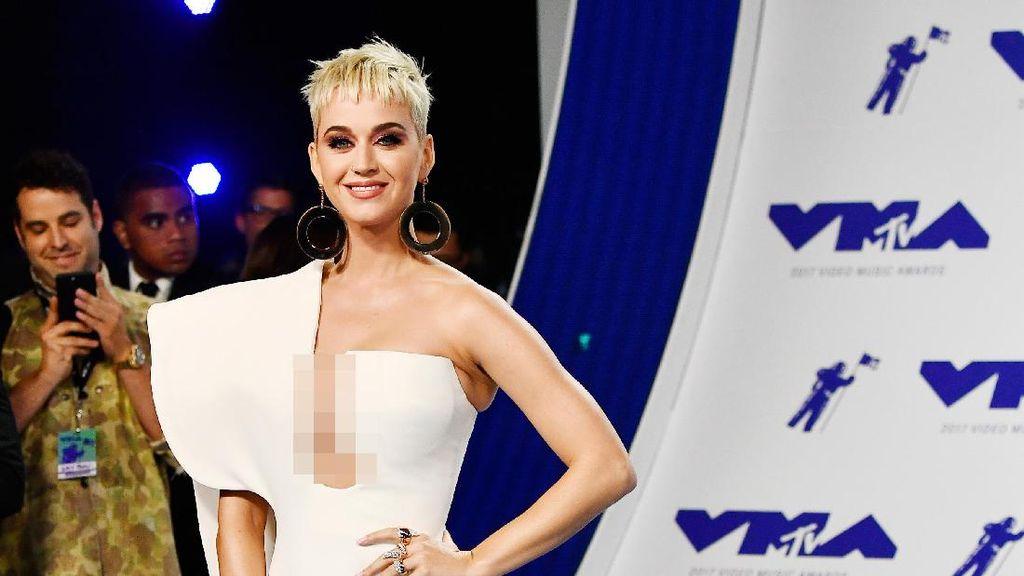 Melihat Penampilan Para Musisi di MTV VMA 2017