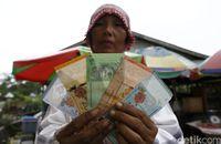 Ringgit juga lazim digunakan di Pasar Entikong.