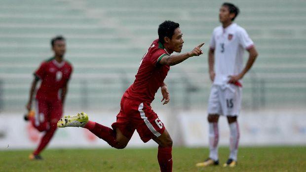 Evan Dimas pernah dua kali memperkuat Timnas Indonesia di Piala AFF 2014 dan 2016. (