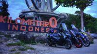 Yamaha XMAX dan NMAX di kilometer nol, Sabang, Aceh (Foto: Yamaha)