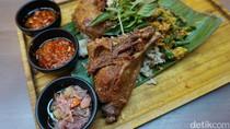 GIOI: Mencicip Bebek Crispy dengan 3 Jenis Sambal di Restoran Modern