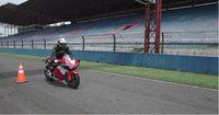 Rider CBR150R asal Boyolali Ahmad Arifin Budi juga merasakan sensasi mengendarai RC213V-S di Sentul (Foto: AHM)