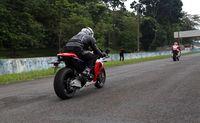 Sensasi mengendarai RC213V-S di Sentul (Foto: Honda)