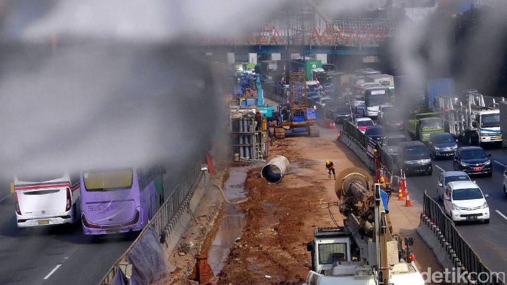 Foto: Proyek Tol Layang Jakarta-Cikampek Terus Bergeliat