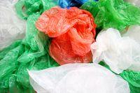 Sampah kantung plastik.