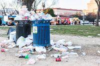 Buang sampah plastik di Kenya denda 4 tahun penjara.