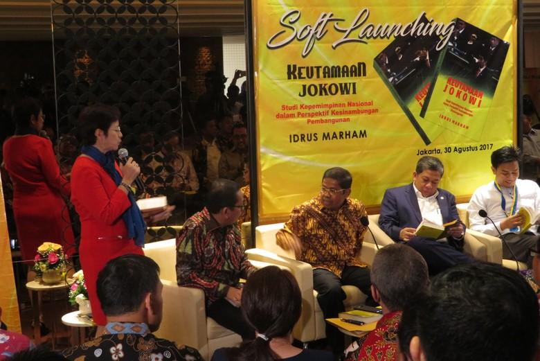 Sekjen Golkar Buat Buku Keutamaan Jokowi, Ini Alasannya