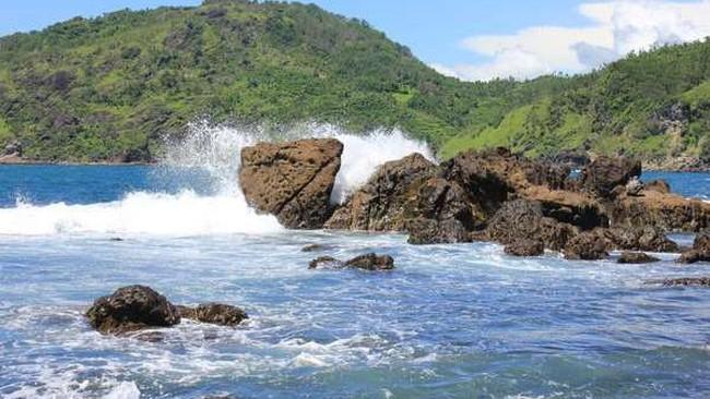 Siklon Dahlia, Gelombang Laut Selatan DIY Diprediksi Capai 6 Meter