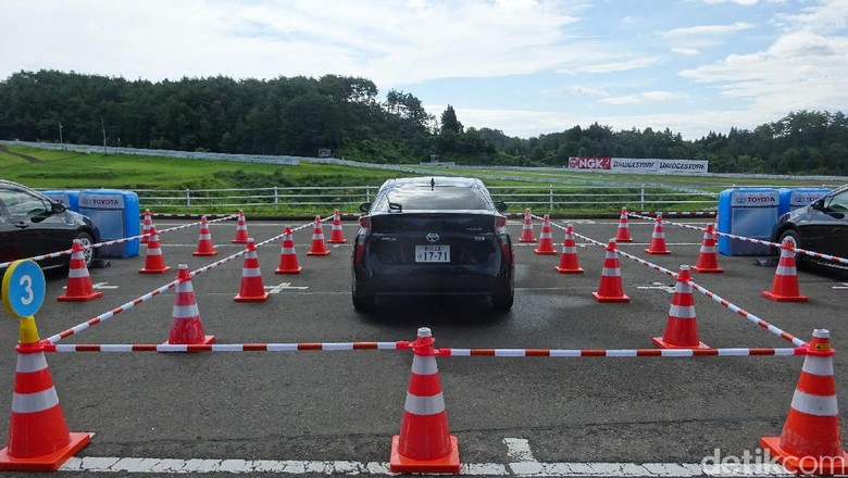 Toyota Klaim Bisa Kurangi Tabrak Belakang Sampai 90%