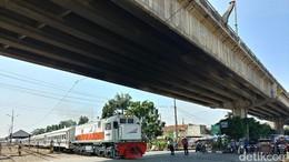 Kajian Kereta Kencang Jakarta-Surabaya Rampung Bulan Depan