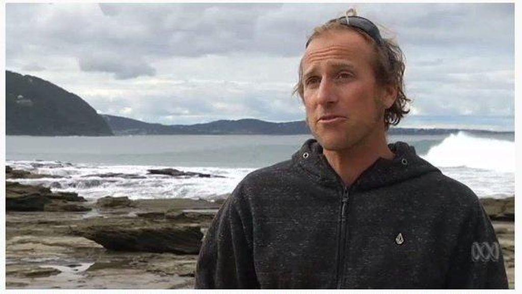 Baju Renang Tebal Selamatkan Pria Ini dari Serangan Hiu Putih