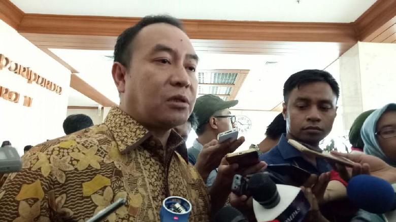 Novanto Tunjuk Aziz Ketua Kami - Jakarta Fraksi Partai Demokrat memandang penunjukan ketua DPR pengganti Setya Novanto sepenuhya ada di Partai Demokrat menghargai dan