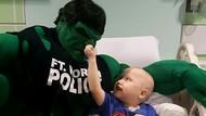 Foto: Saat Pak Polisi Berubah Jadi Superhero bagi Anak-anak