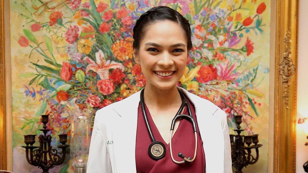 Foto: Pesona 10 Dokter Cantik Indonesia, Siapa Mau Diperiksa?