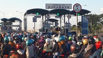 Antrean Toron Roda Dua di Suramadu Capai 500 Meter