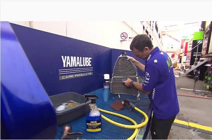 Melihat Proses Motor MotoGP Dicuci, Detail Banget