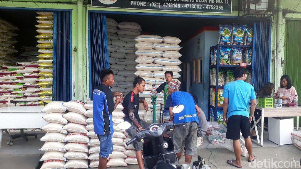 Jelang Natal dan Tahun Baru, Stok Beras di Cipinang 37.000 Ton