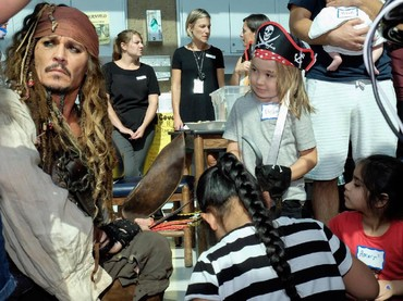 Ada pesta bertema bajak laut juga buat anak-anak di RS ini. (Foto: Facebook/ BC Childrens Hospital Foundation)