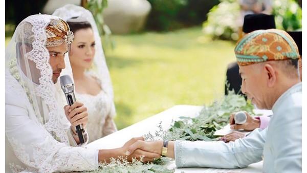 Mengintip Harga Mas Kawin Pernikahan Hamish dan Raisa