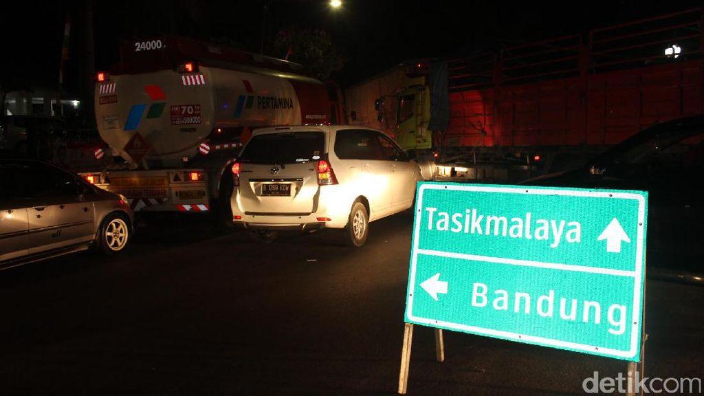 Libur Panjang Usai, Tasik-Bandung via Garut Macet 10 Kilometer