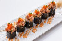 Dari Ikan Mentah, Kini Sushi Diberi Topping Keju Hingga Kremesan