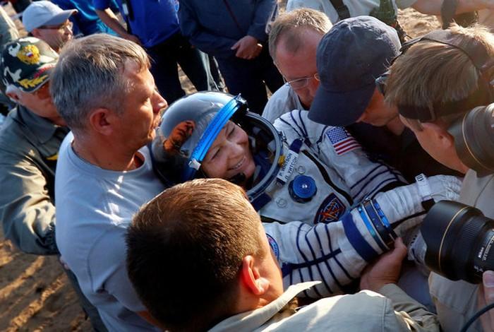 Peggy mendarat di bumi. Foto: Reuters