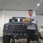 Mobil Perkasa Land Rover Defender Raih Interior Terbaik