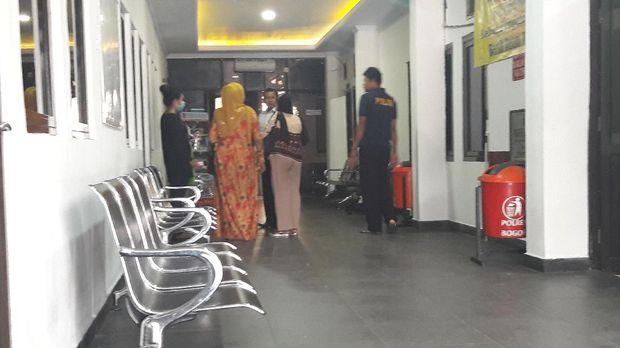 Cerita Keluarga Soal AM yang Pernah Dipukul Pegawai BNN Indria