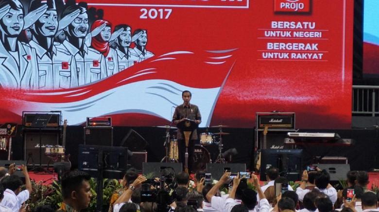Paparkan Prestasi ke Projo, Jokowi: Jangan Sampai Diklaim yang Lain