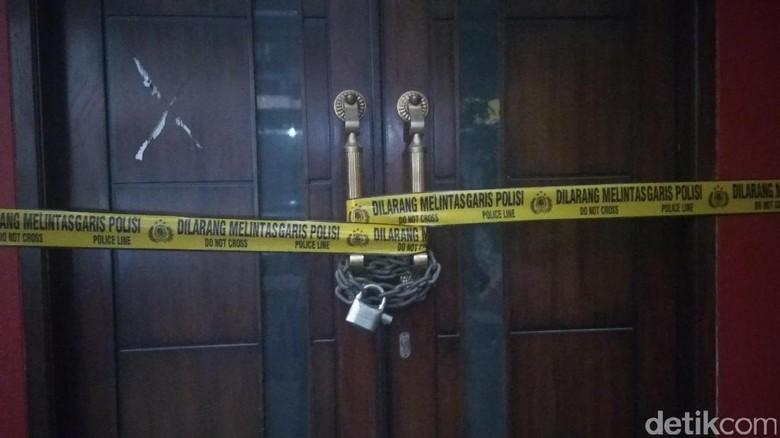Geledah Rumah Kiki Hasibuan, Polisi Bawa 3 Koper