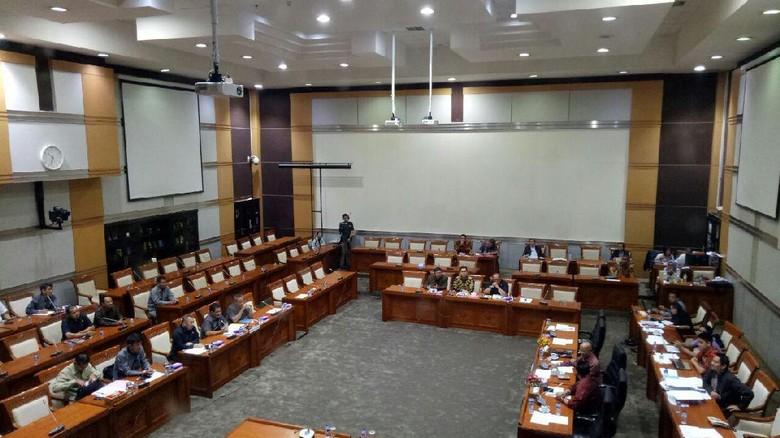 DPR Uji Kelayakan dan Kepatutan 5 Calon Hakim Agung