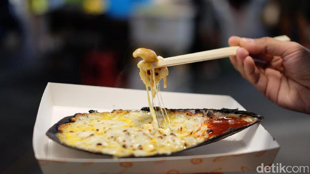 Mencicip Lobster dan Scallop Panggang Keju, Jajanan Bintang Lima di Myeongdong