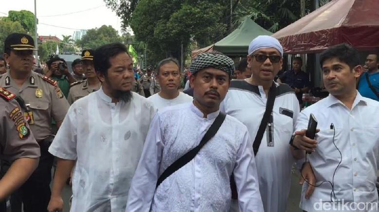 FPI: Hampir 10 Ribu Orang Daftar Jihad ke Rohingya