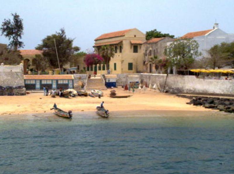 Pulau Goree berada di lepas pantai Senegal, persis di sebelah Dakar. Pulau ini memiliki masa lalu yang terbilang kelam (Unesco)