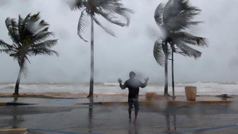Hurricane Irma merupakan badai paling kuat dalam sejarah. Badai ini sudah sampai Karibia dan melanda Puerto Rico (REUTERS/Alvin Baez)