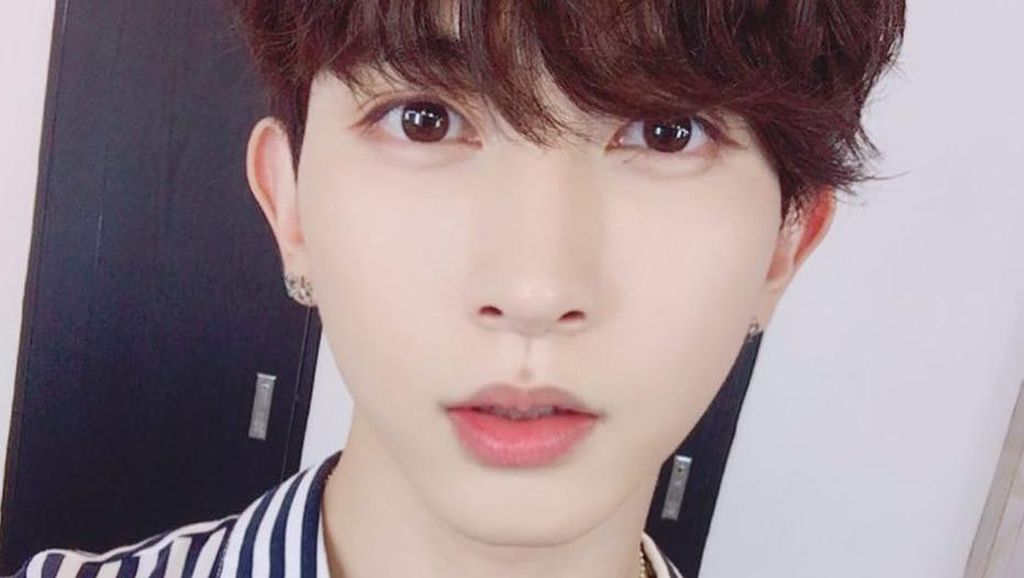 Foto Kiseop U-KISS Setelah Terkena Ledakan saat Syuting MV