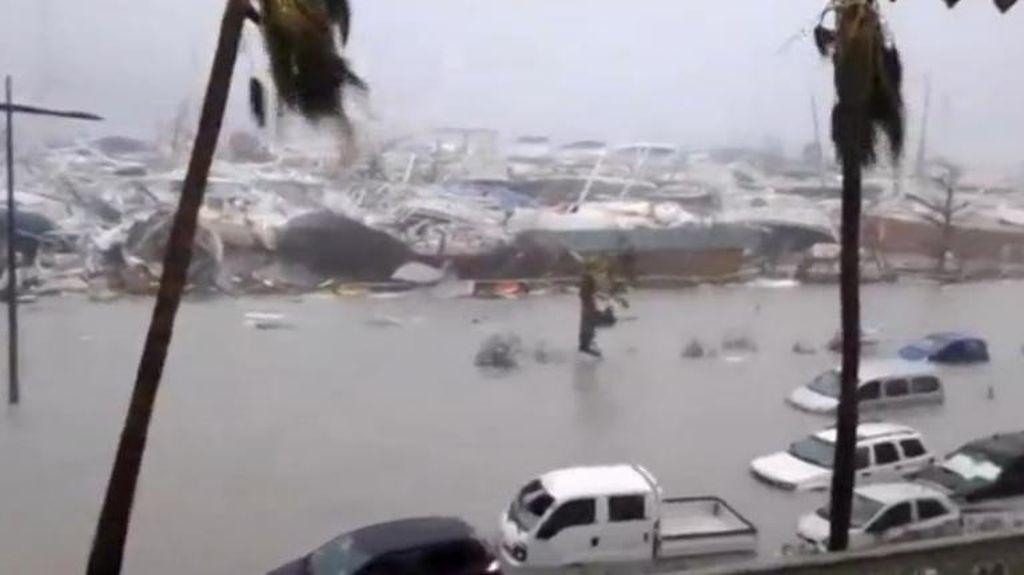 Melihat Amukan Badai Irma di Kepulauan Karibia