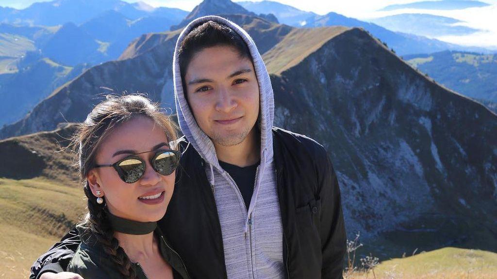 Cucu Ganteng Soeharto Lamar Pacar dengan Romantis di California