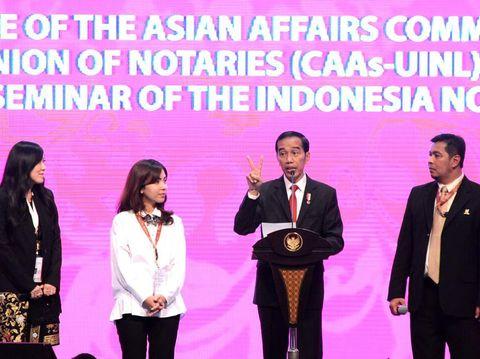 Presiden Jokowi menjadi pembicara kunci pada Forum Notaris se-Asia di Bali