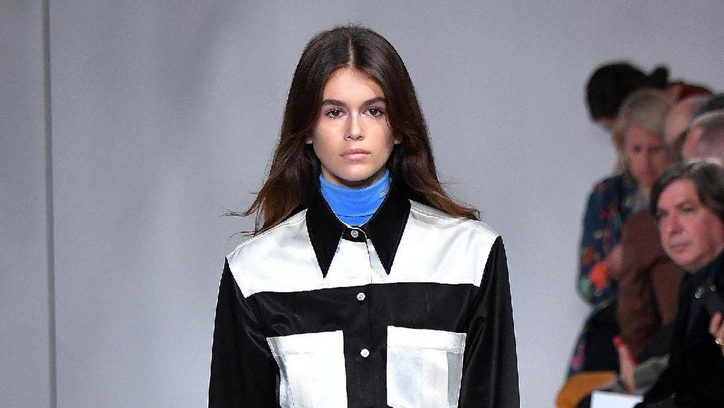 Lihat Debut Putri Cindy Crawford di Panggung New York Fashion Week