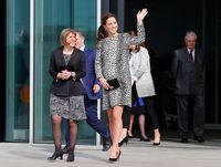 Gaya modis Kate Middleton saat hamil.