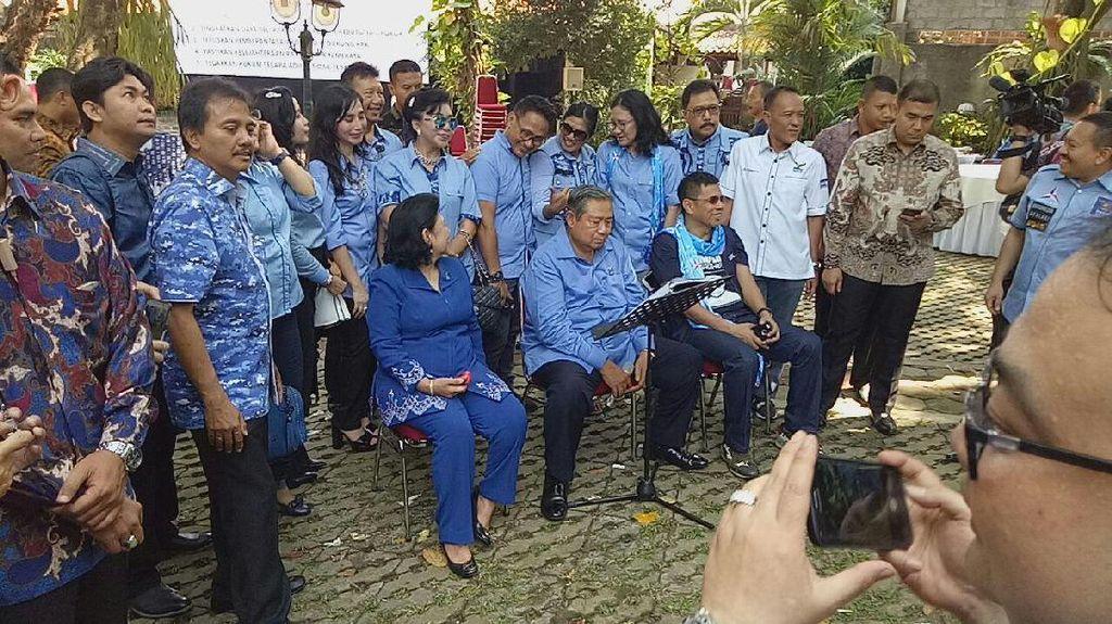 Video SBY Dendangkan Lagu Bujangan di Hari Ulang Tahunnya