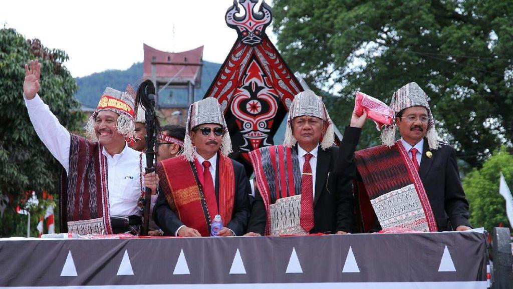 2 Menteri Hadiri Karnaval Pesona Danau Toba 2017