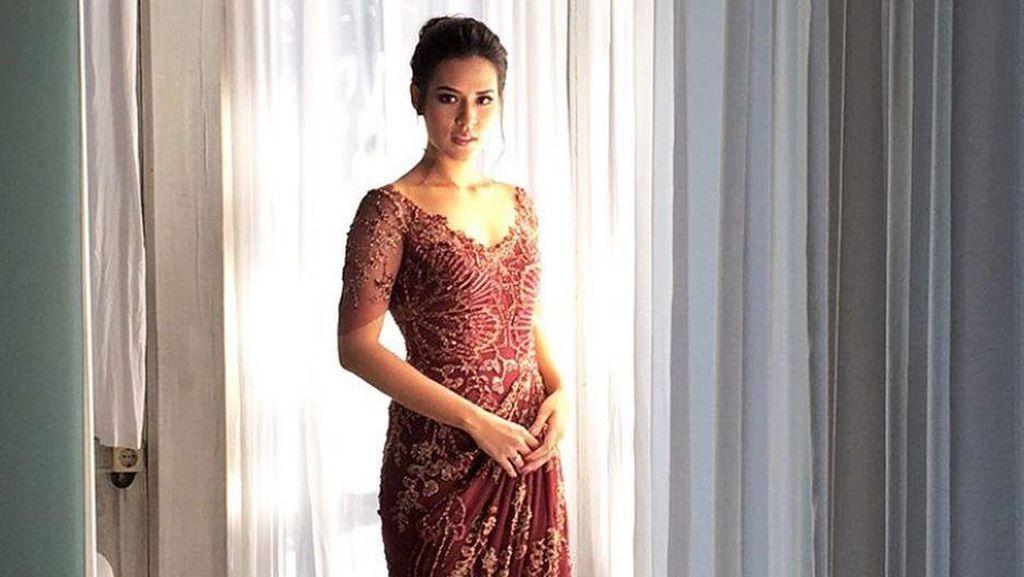 Foto: Cantiknya Raisa Pakai Gaun Rancangan Biyan Saat Pesta Nikah di Bali