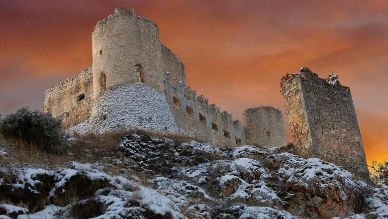 Foto: Kastil cantik yang terbengkalai (Dok. CNN Travel)