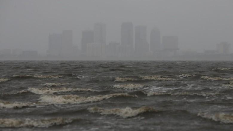 Badai Irma Tiba di Florida, Trump Setujui Status Bencana Besar