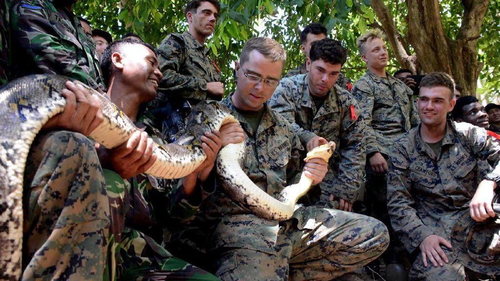 Tentara AS Belajar Bertahan Hidup di Hutan dari Marinir Indonesia