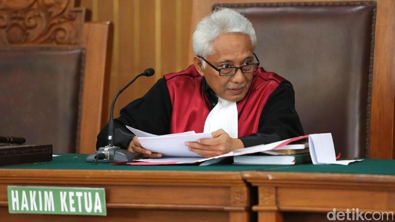 MA Hentikan Pemeriksaan Hakim Praperadilan Setya Novanto