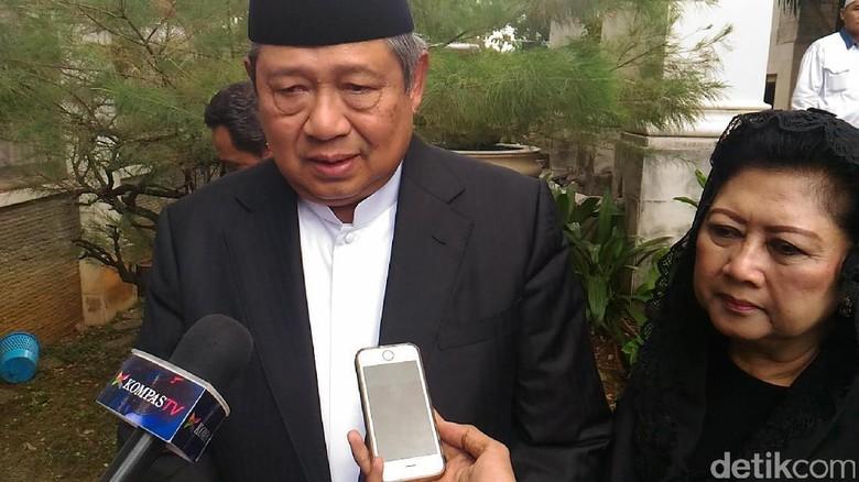 SBY: Almarhumah Ibu Nani Pendamping Setia Hamzah Haz