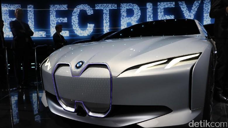BMW i Vision Dynamics, Mobil Listrik yang Bisa Berlari Kencang
